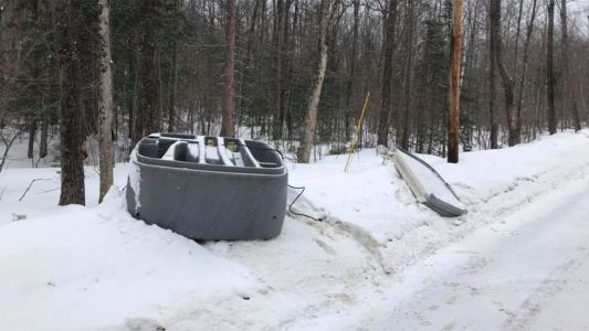 Hot tub found abandoned on side of road
