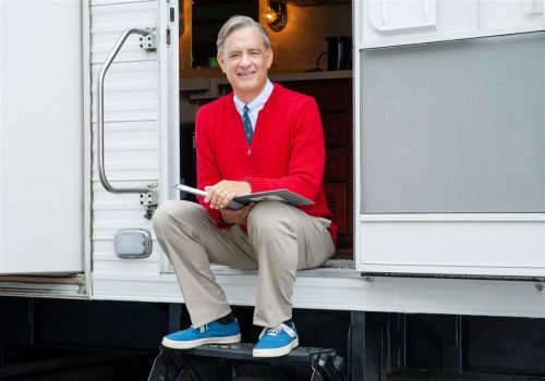 New 'A Beautiful Day in the Neighborhood' trailer shows Tom Hanks as Fred Rogers, singing