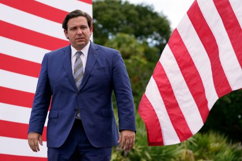 DeSantis clears Florida for large-scale reopening, blocks local fines