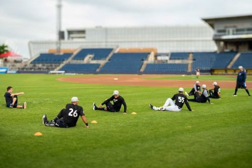 Yankees throw weight behind Staten Island affiliate in minor league fight