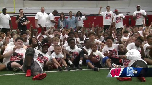 Former Badgers turned NFL stars host football camp in Madison