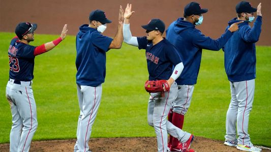Red Sox keep winning streak alive with comeback against Orioles