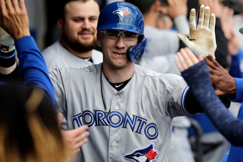 Blue Jays' Danny Jansen shaves mustache during game
