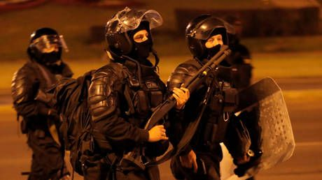 Belarusian police use LIVE FIRE against protestors overnight, 1 person injured