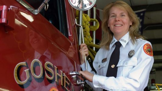 First female fire chief in Mass. announces retirement