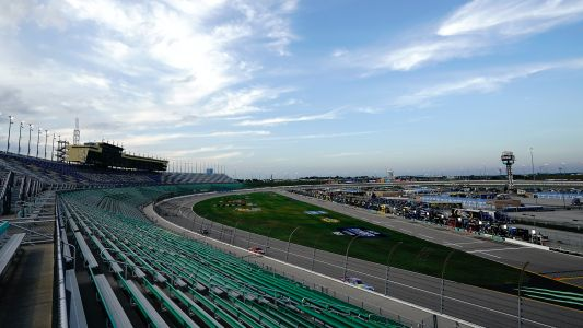What time does the NASCAR race start today? TV schedule, channel for Kansas playoff race