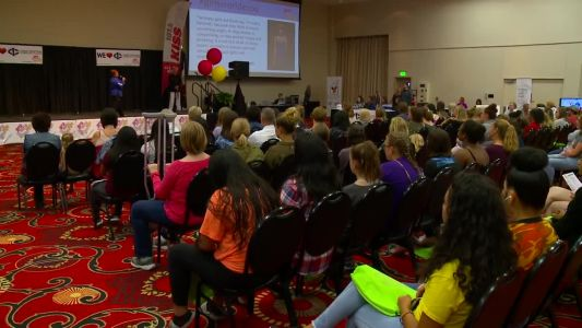 Girls World Expo, 'American Idol' winner stop in Des Moines