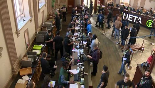 First pot shop opens in Greater Boston area