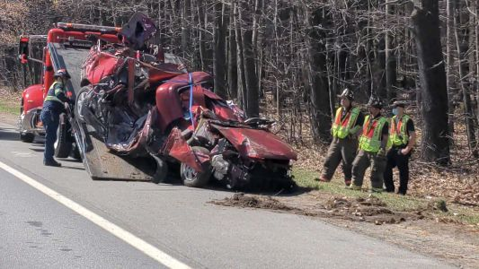 Teenager killed in crash on Everett Turnpike in New Hampshire