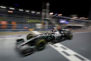 Hamilton tops 2nd practice at Singapore GP