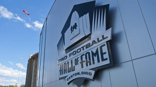 Pro Football Hall of Famers threaten induction boycott, seek revenue share, health insurance