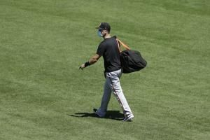 Giants star catcher Posey out this year over virus concerns