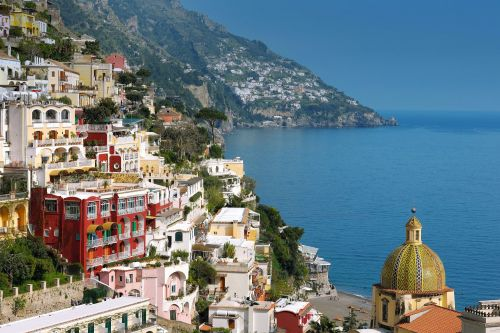 NYC parents flee to the Amalfi Coast while kids are at camp