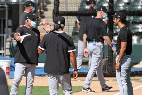 Rick Renteria is doing his part to keep the White Sox risk for COVID-19 low