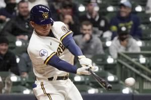 Urías drives in 3 on pinch-hit double, Brewers down Cubs 6-3