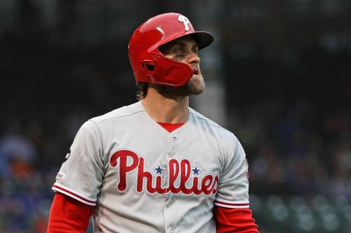 Bryce Harper gets Cubs fans' middle fingers with great trolling