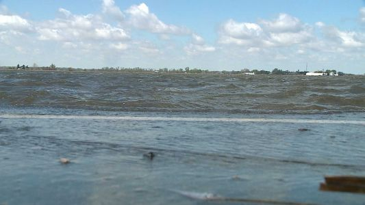 Water still flowing into Percival, Iowa due to levee breach