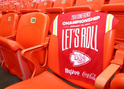 First 50,000 Chiefs fans at Arrowhead Sunday get jersey rally towel