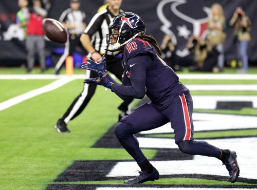Texans hold off Colts to move into first in AFC South