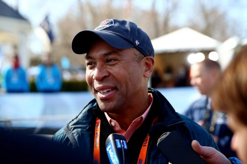 Deval Patrick announces White House bid