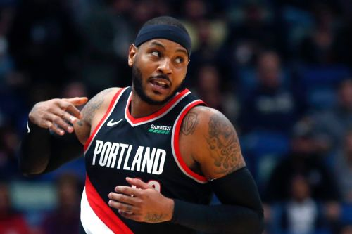 Carmelo Anthony displays rust in long-awaited NBA return