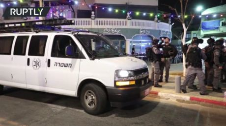 Riot & clashes with police break out in Jaffa, Israel after angry locals attacked rabbi on city street