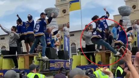 Russian NHL star tumbles off fire truck during Blues Stanley Cup parade