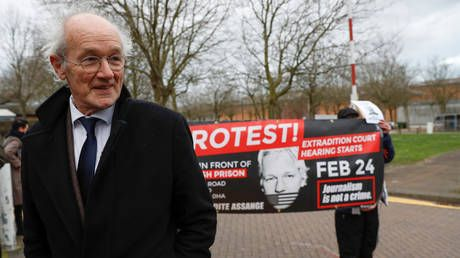 'Oppression, arbitrary detention & torture will happen to journalists if extradition is successful' - Assange's father