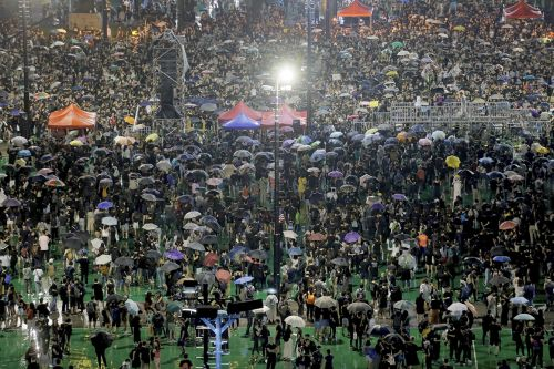 3 nights of tear gas-free protests as Hong Kong's anti-government movement gives peace a chance