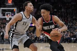 Trail Blazers beat Spurs 121-116 after Popovich's ejection