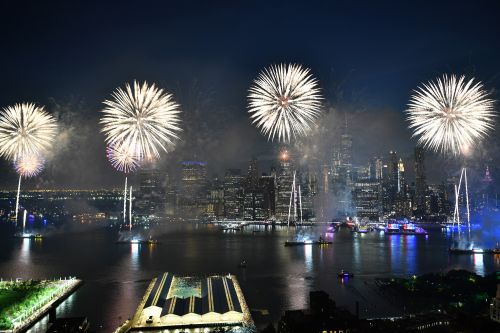 Macy's fireworks will be live on July 4 in NYC for 'biggest show yet,' de Blasio says