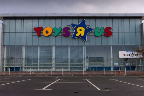 Toys R Us hopes brought back, emerges as new company