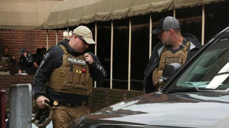 Police with battering ram raid Venezuelan Embassy in DC & arrest anti-coup activists
