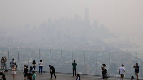 NYC enveloped by haze from wildfire smoke all the way from West Coast, as air quality hits worst in 14 years