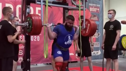 Powerlifting champion Alexander Sedykh breaks knees in horrific weightlifting accident