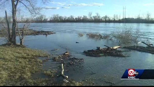 Some families evacuated as Missouri River levels continue to rise