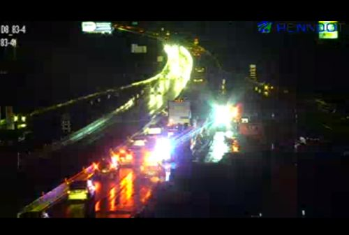 Disabled tractor-trailer slows traffic on I-83 in York County