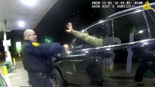 2 police officers accused of using excessive force, threatening Army officer during traffic stop