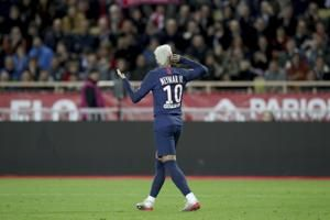 Neymar stars as PSG beats Reims to reach League Cup final