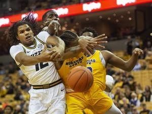 Smith scores 21, leads Missouri past Morehead State 70-52