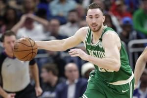 Michael Jordan's recruitment helped Hornets land Hayward