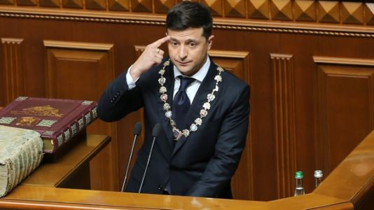 Ukraine's Comedian President Takes Office, Says He's Dissolving Parliament