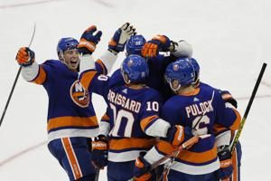Beauvillier, Islanders beat Leafs for 12th win in 13 games