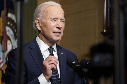 Biden prepares sweeping order on climate-related risks
