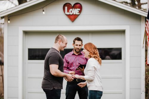 """KC couple says """"I do"""" at home after pandemic cancels wedding"""