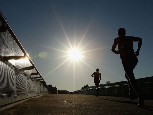There's new evidence that morning is the best time to exercise if you want to lose weight, and it may be because early birds eat a little less throughout the day