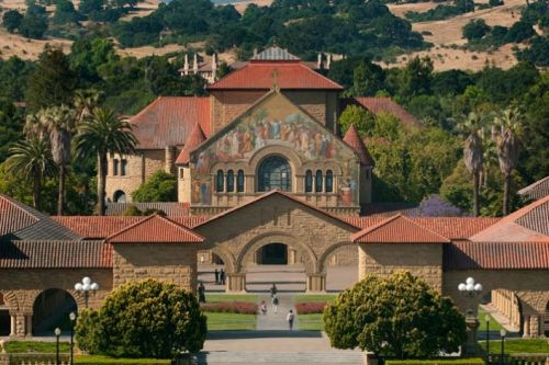Stanford expands financial aid for middle-income families as trustees set 2019-20 tuition