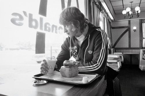 A 16-year-old Wayne Gretzky has breakfast at McDonald's on Jan