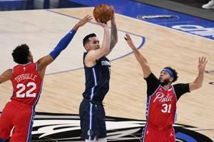 JJ Redick makes Dallas debut against former team in 76ers