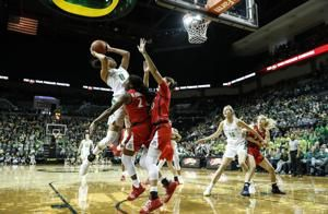 Ionescu, No. 5 Oregon women race past Arizona 93-60